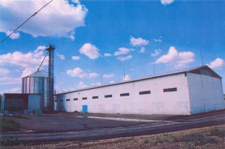 Мельница хозяйства. производительность 48 тонн в сутки